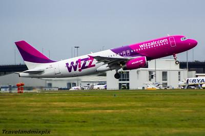 HA-LPL Wizz Air Airbus A320-232 Glasgow Airport 24/10/2015