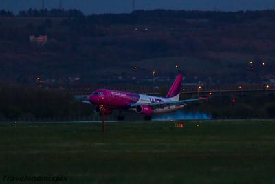 HA-LWA Wizz Air Airbus A320-232 Glasgow Airport 22/04/2016