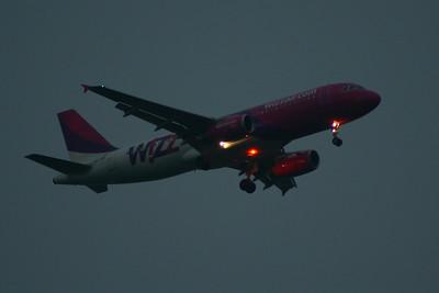 HA-LWF Wizz Air Airbus A320-232 Glasgow Airport 19/05/2014