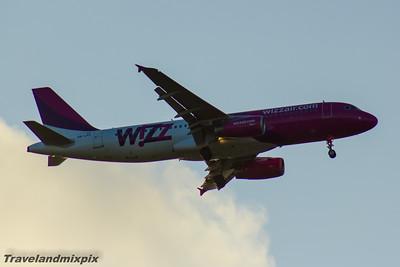 HA-LPZ Wizz Air Airbus A320-232 Glasgow Airport 13/05/2016