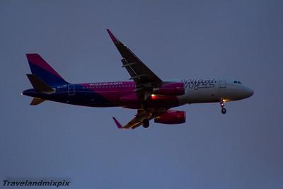 HA-LYT Wizz Air Airbus A320-232 Glasgow Airport 16/04/2016