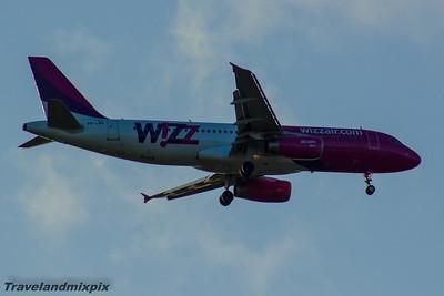 HA-LWA Wizz Air Airbus A320-232 Glasgow Airport 13/05/2016