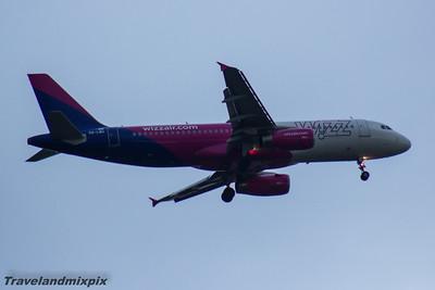HA-LWG Wizz Air Airbus A320-232 Glasgow Airport 13/04/2016