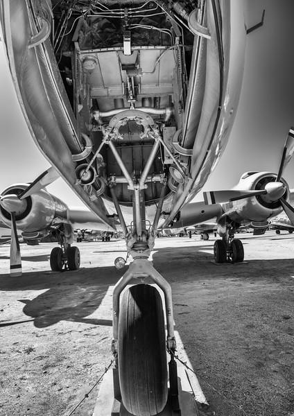 Douglas DC-6 Nose gear