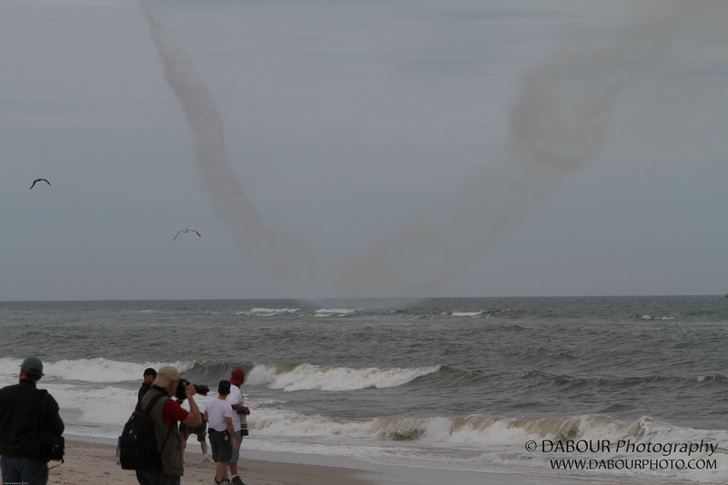 JonesBeachAirshow2010-1094 - I took this shot to show how close to the water he was during the turn...