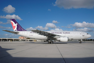 Air Macau Cargo (TradeWinds Airlines) Airbus A300B4-203 (F) N821SC (msn 211) MIA (Bruce Drum). Image: 100347.