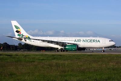 Air Nigeria Airbus A330-243 SU-GCI (msn 696) LGW (Terry Wade). Image: 908586.