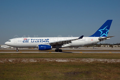 Airline Color Scheme - Introduced 2004 (with Santa hat)