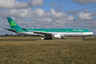 Aer Lingus Airbus A330-302 EI-EDY (msn 1025) DUB (SM Fitzwilliams Collection). Image: 911908.