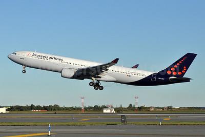 Brussels Airlines Airbus A330-322 OO-SFV (msn 095) JFK (Stephen Tornblom). Image: 909502.