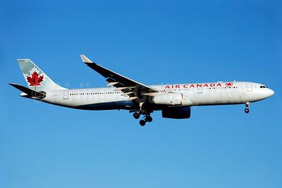 Air Canada Airbus A330-343 C-GHKR (msn 400) YYZ (Reinhard Zinabold). Image: 912089.
