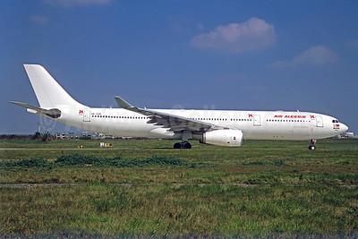 Air Algerie - AirAsia X Airbus A330-343 9M-XXM (msn 741) ORY (Jacques Guillem). Image: 925008.