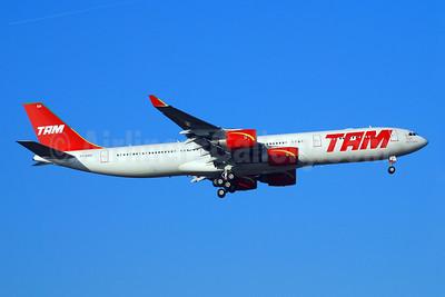 TAM Brasil (TAM Linhas Aereas) Airbus A340-541 PT-MSN (msn 445) FRA (Bernhard Ross). Image: 900732.