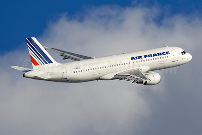 Air France Airbus A320-211 F-GFKU (msn 226) BCN (Sebastian Fernandez). Image: 901980.