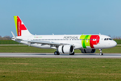 TAP - Air Portugal Airbus A320-251N D-AUBJ 4-1-19 2