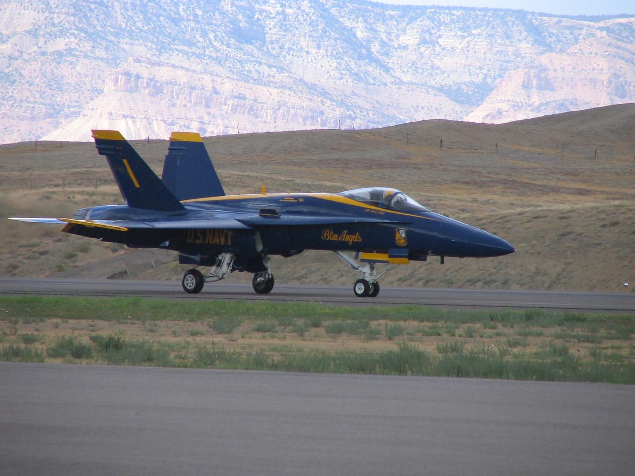 Blue Angel #1 Landing rollout