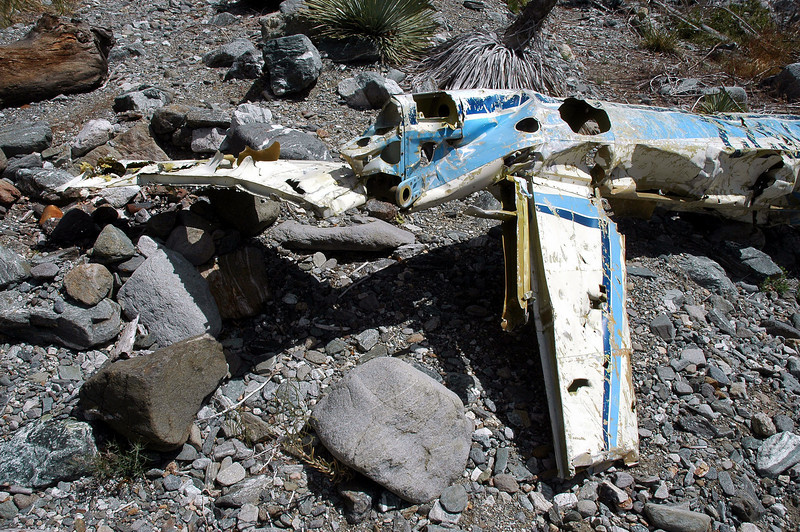 The right side tailplane also remained.