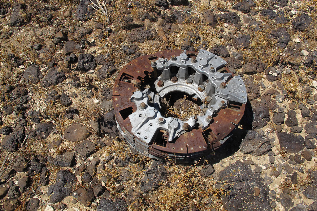 Moving beyond the main debris field, came upon the another one of those assemblies.