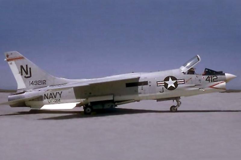 Photo of the F-8J Cusader BuNo 149212.