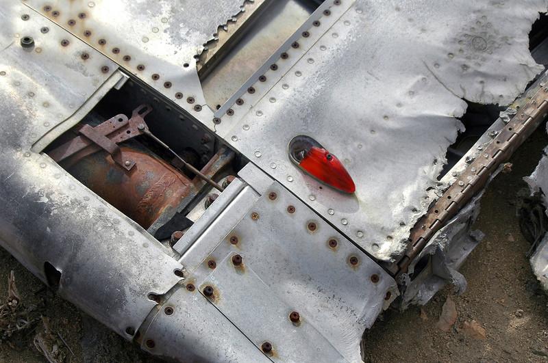 Linkage inside the wingtip.