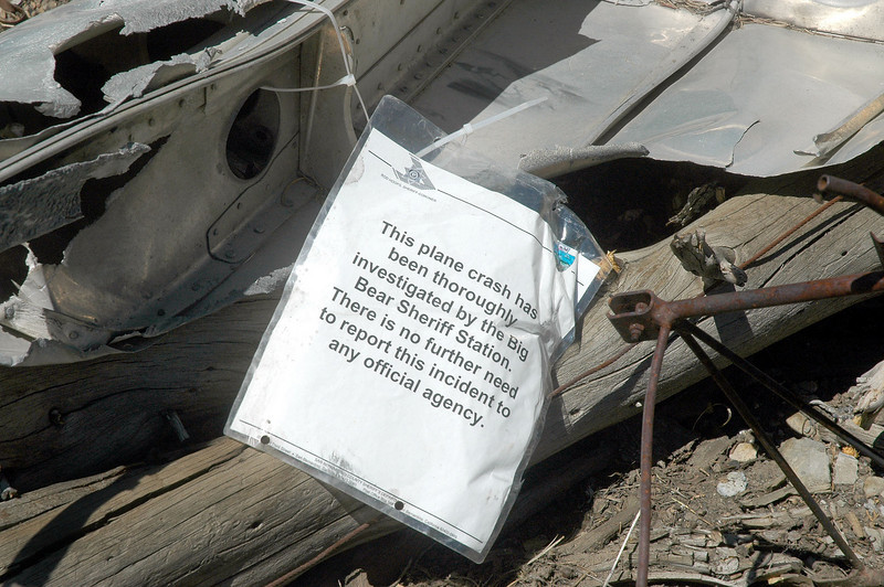Close up of the note. Never seem a notice like this at a crash site.