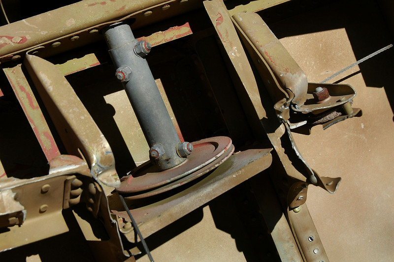 Control pulleys and cable.