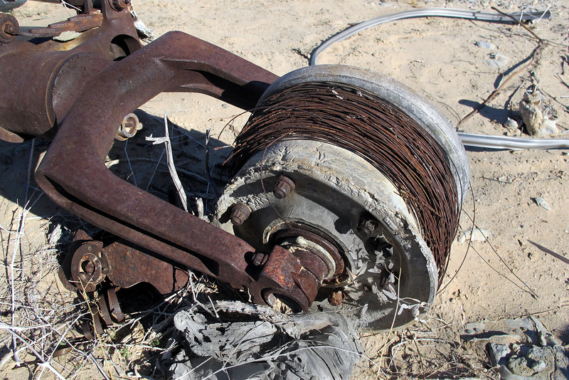 Nose wheel with the wire beads from the tire.