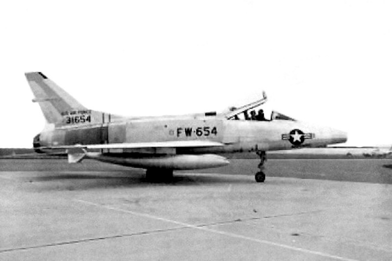 A photo of the JF-100A #53-1654