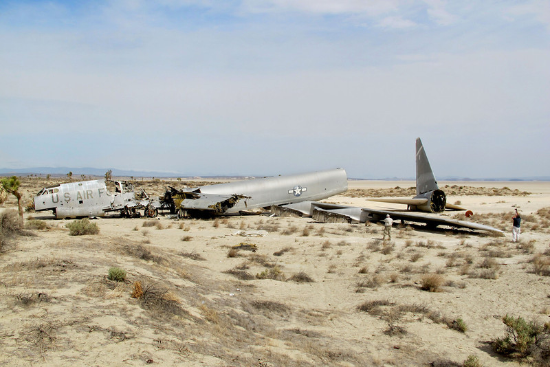 Another view of the B-52E #57-0119.