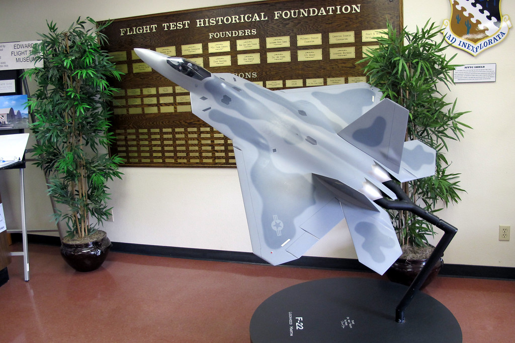 Nice model of a F-22 Raptor in the lobby.
