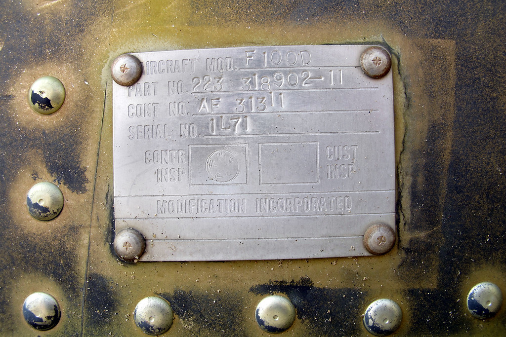 This tag was mounted on the right side lower rail.