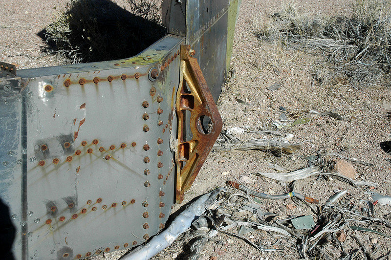 One of the two tailplane mounts remained at the center section. The tailplane pivots on these points.