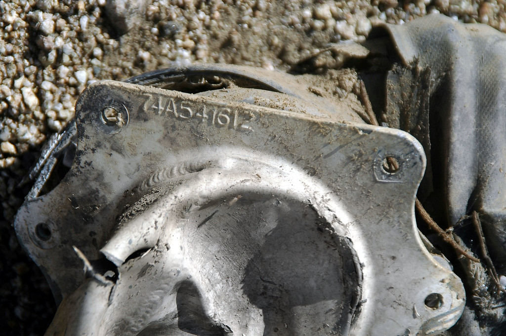 Close up of the part number shows the 74 prefix that indicates that this is the crash site of a F/A-18. I'm pretty sure that it's the one I've been looking for, it's in the right general area.