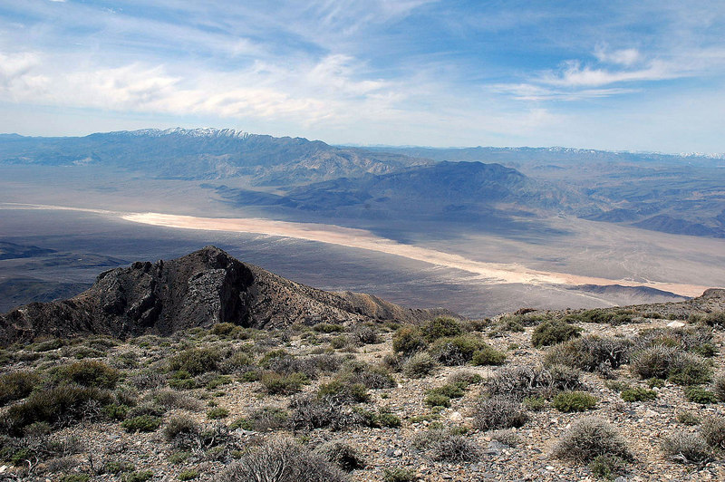 While hiking down the ridge I got a great view of the Panamint Valley and Dry Lake.