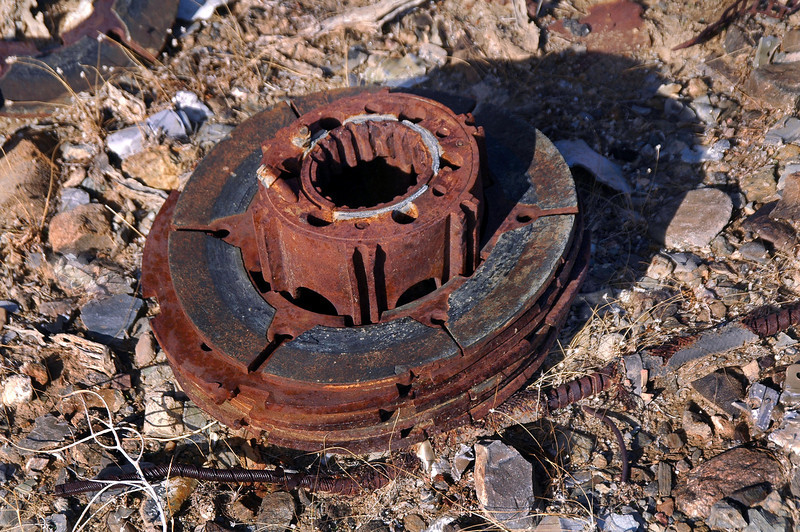 Wheel hub with some of the brake discs.