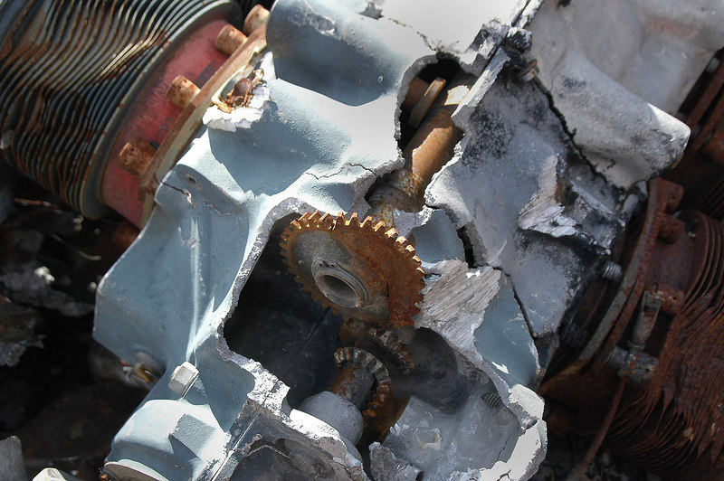 The camshaft can be seen in the broken block.