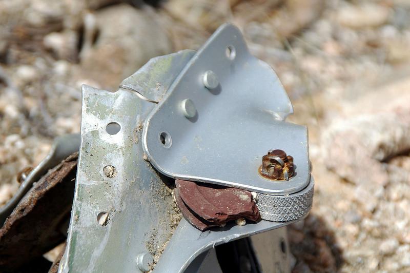Closer look at the  broken pulley.