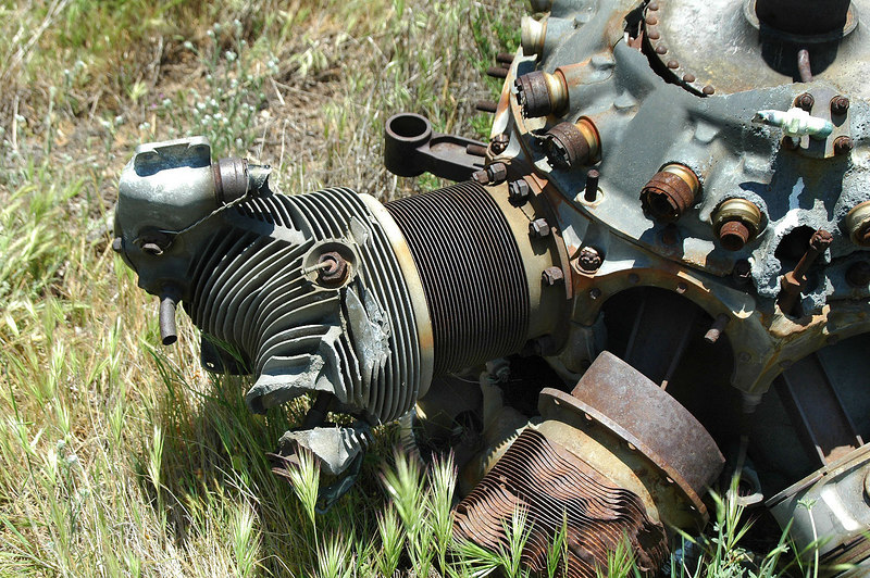Close up of one of the heads and cylinders.