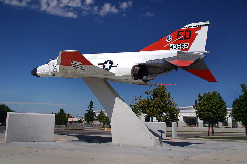 One last shot. This F-4 is at the intersection of Sierra Hwy and Lancater Bl.<br /> <br /> <br /> THE END