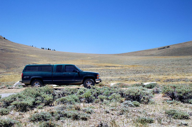 Campito Meadow at 10,700 feet. This is the second time I'm searching for the L-19 crash site.