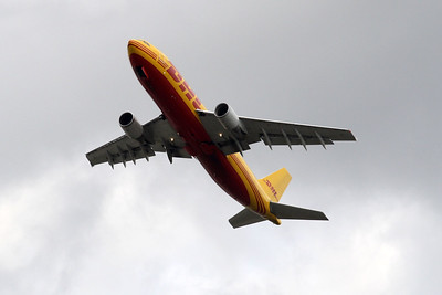 D-AEAK taken off from 27L at London Heathrow.