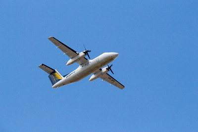 Skippers Aviation Dash 8 Q100