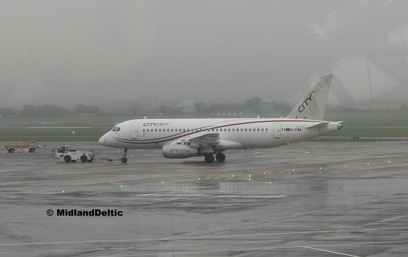 EI-FWA, Dublin Airport, 02-08-2016