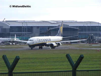 EI-EFO, Dublin Airport, 24-06-2015