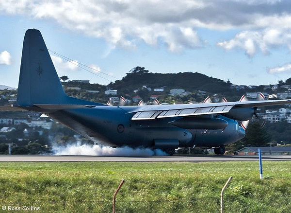 RNZAF C-130H  NZ7004 on SATS duty at WLG on 16 October 2017
