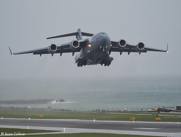 USAF C-17A Globemaster III departs Wellington, 7 October 2017