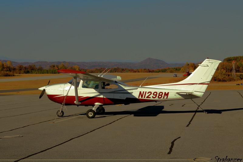Cessna 182P Skylane N1298M