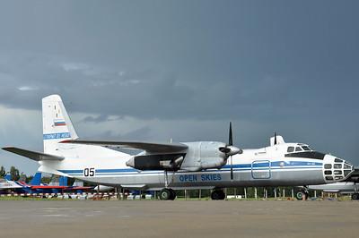 "Antonov An-30 Clank ""05 Black"""
