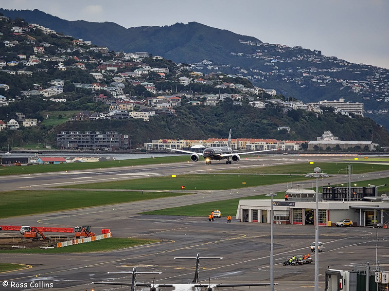 Air New Zealand Dreamliner at Wellington, 29 June 2016