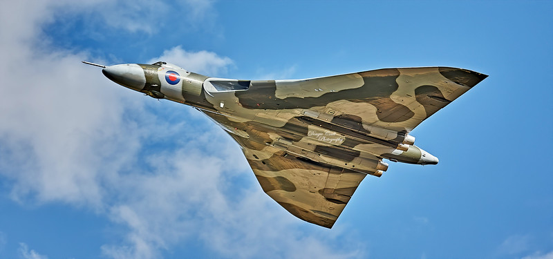 Vulcan (XH558) at Airshow at East Fortune - 25 July 2009